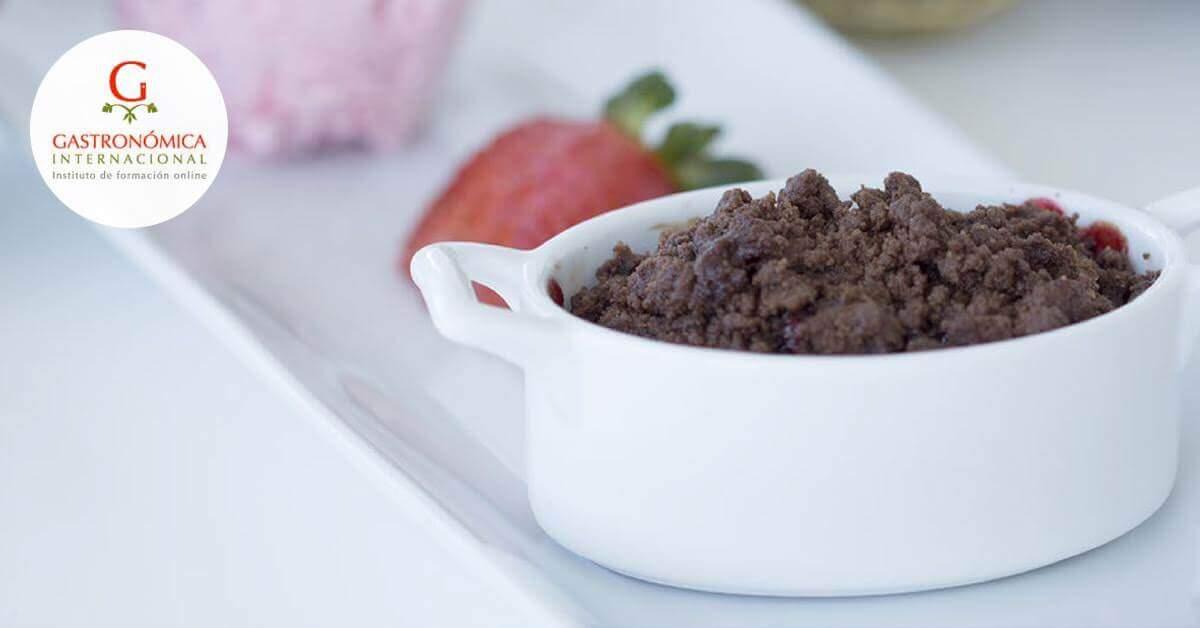 Recetas cocina crumble de fresa con chocolate